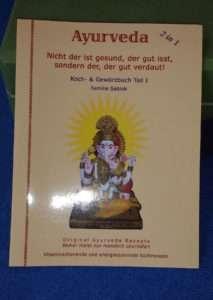 """Buchbesprechung Yogannetteblog: Kochbuch- und Gewürzbuch """"Ayurveda"""" der Familie Sablok"""