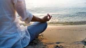 Strand, Meditationshaltung