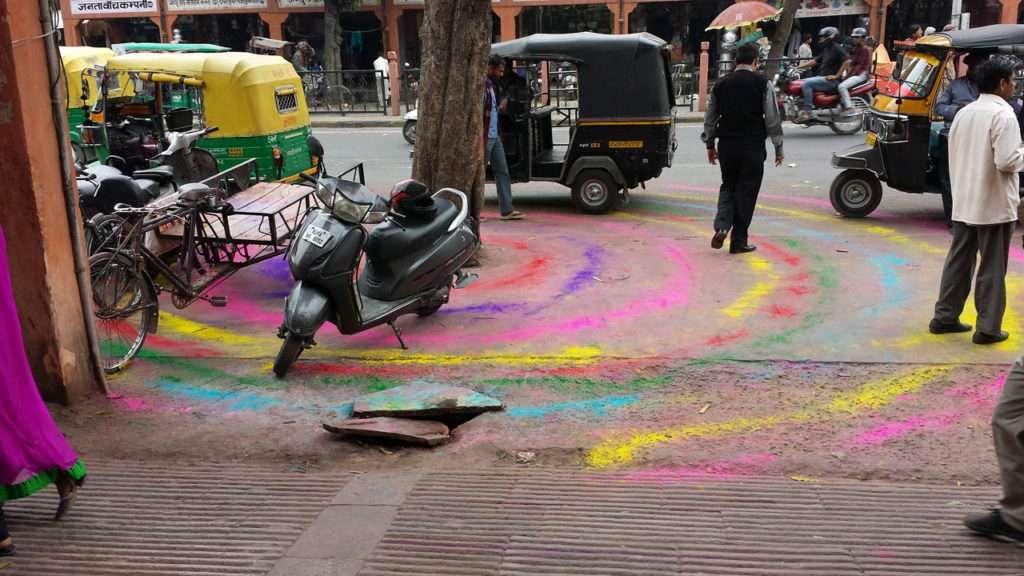Chakras Farben für Holi Indien © Annette Bauer yoga-xperience.de