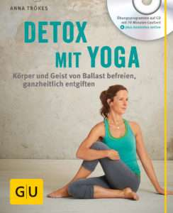"Anna Trökes ""Detox mit Yoga"" © GU"
