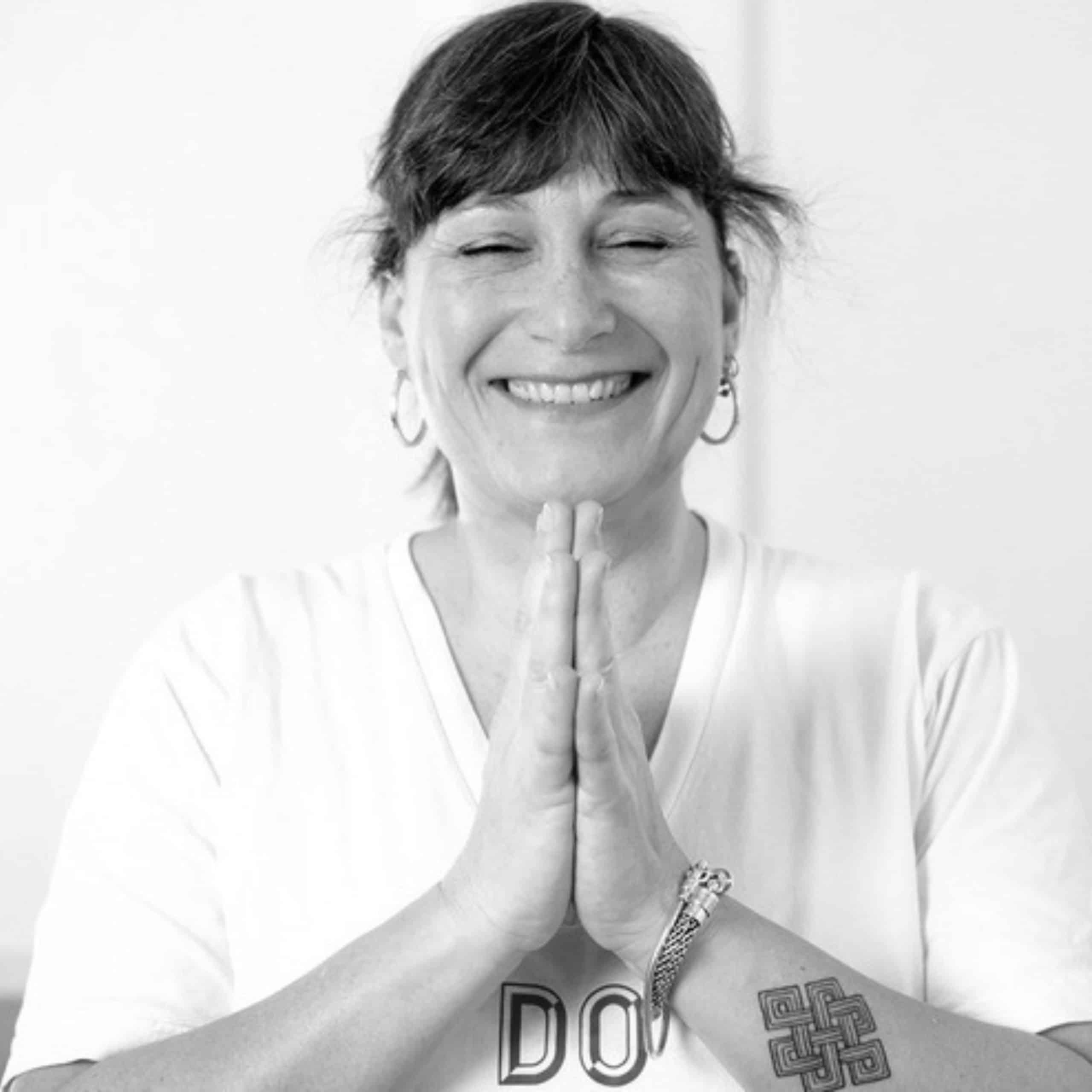 Annette Bauer: Tattoo buddhistischer Knoten © Simone M. Neumann